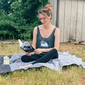 Charcoal Book Lover Flowy Tank