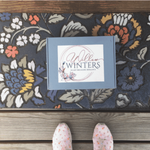 Small Willow Winters Box